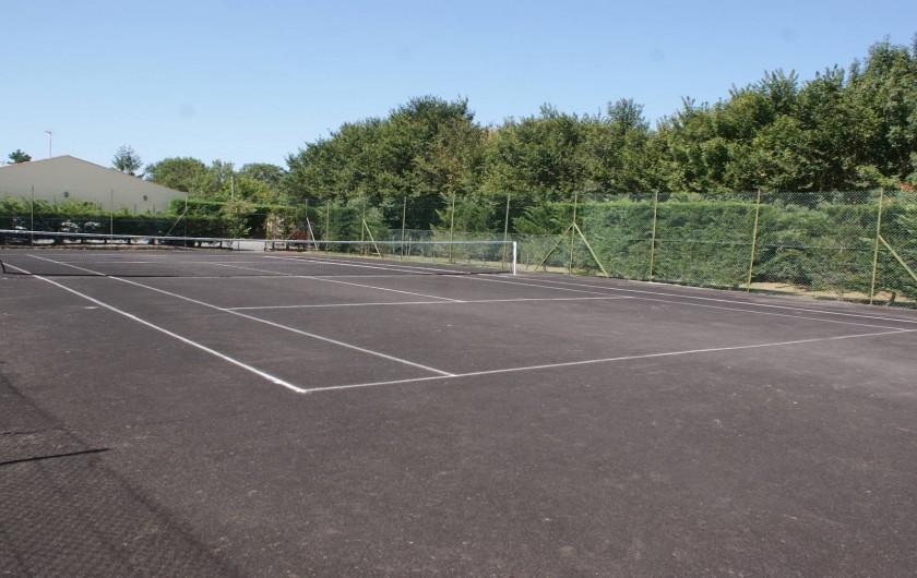 Location de vacances - Gîte à Saint-Pierre-d'Oléron - Tennis