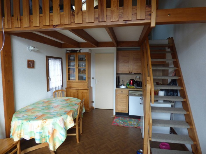 Location de vacances - Appartement à Vallouise - coin cuisine et pièce a vivre