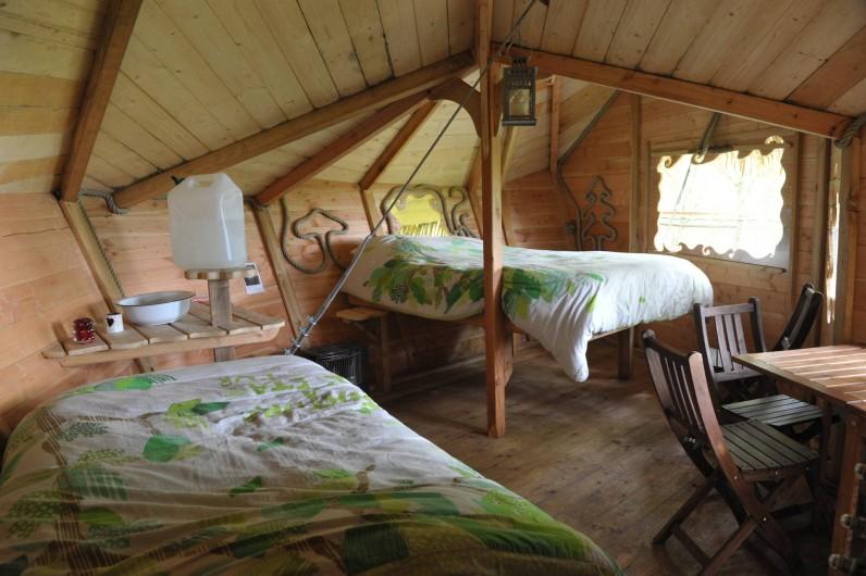 """Location de vacances - Cabane dans les arbres à Saint-Germain-des-Essourts - Cabane """"Baron Perché"""""""