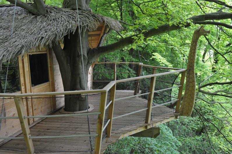 """Location de vacances - Cabane dans les arbres à Saint-Germain-des-Essourts - Cabane """"Drakkar"""""""