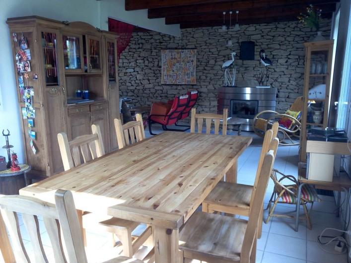 Location de vacances - Maison - Villa à Kersaint - la salle à manger et le salon : une très grande pièce