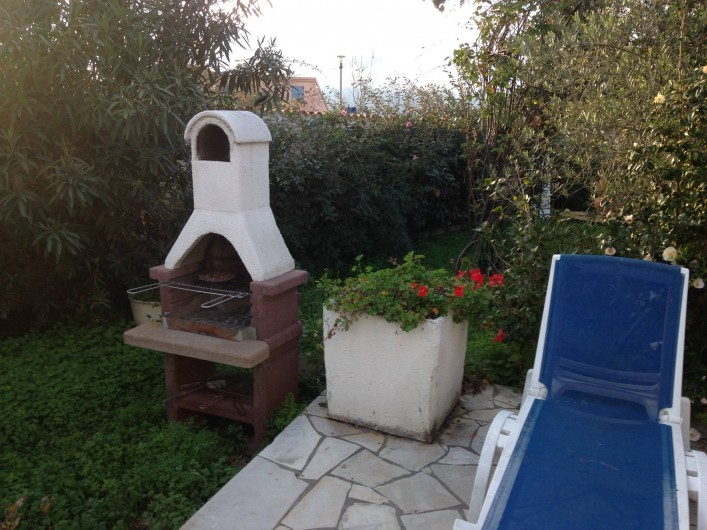 Location de vacances - Studio à Lucciana - Barbecue