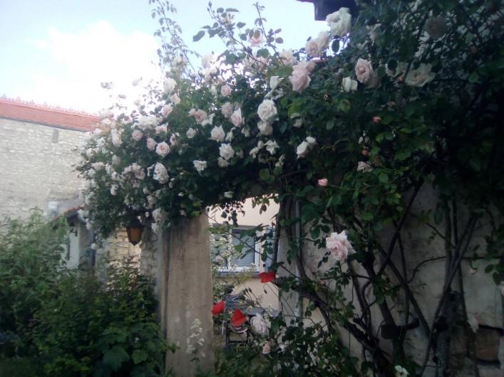 Location de vacances - Gîte à Haimps - Entrée cour