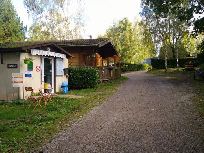Location de vacances - Camping à Mézières-sous-Lavardin - Un petit coin tranquille