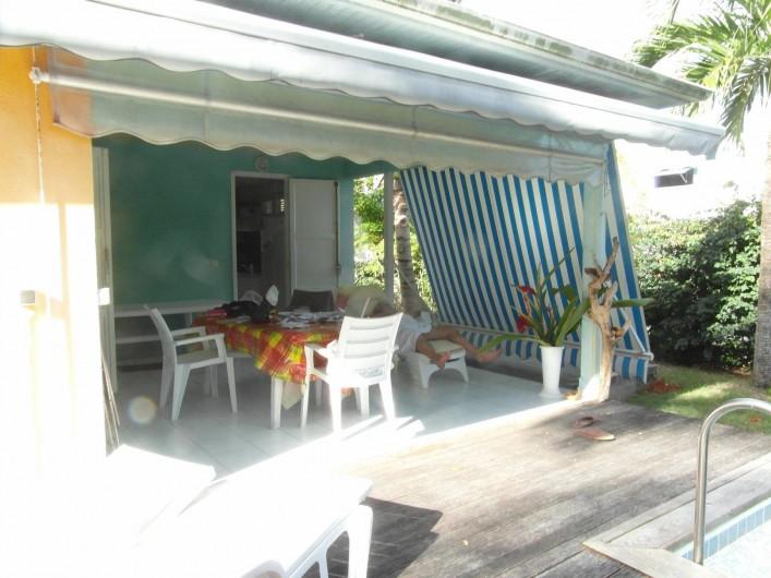 Location de vacances - Chambre d'hôtes à Sainte-Anne - La terrasse