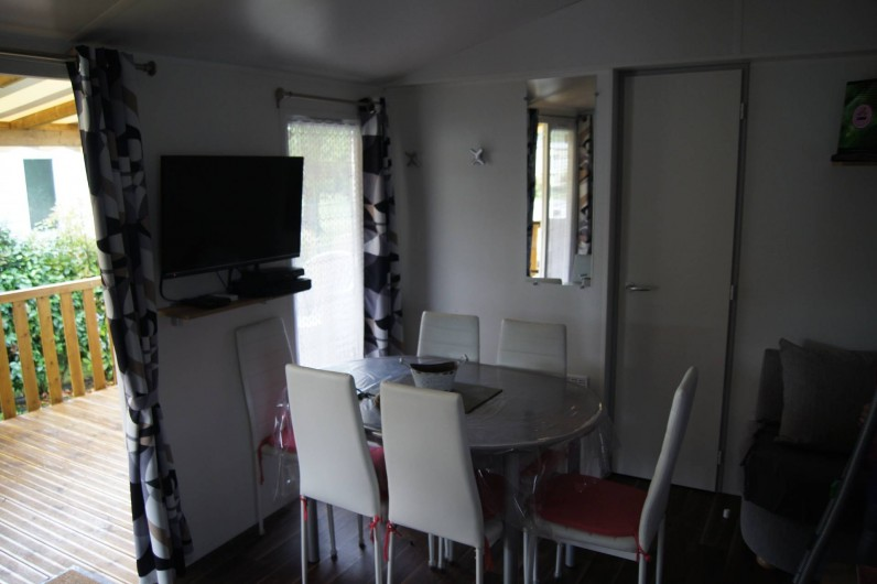 Location de vacances - Bungalow - Mobilhome à Les Mathes - Pièce de vie