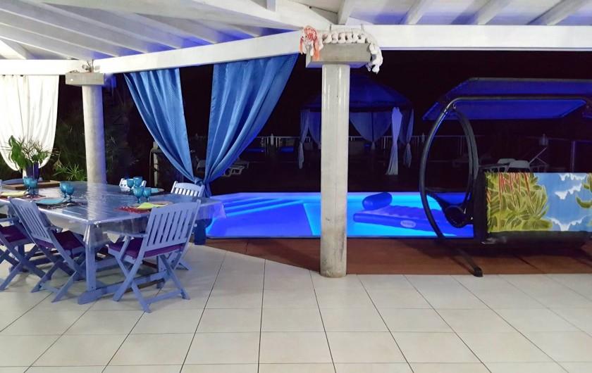 Location de vacances - Chambre d'hôtes à Le Gosier - Terrasse pour prendre les repas créole