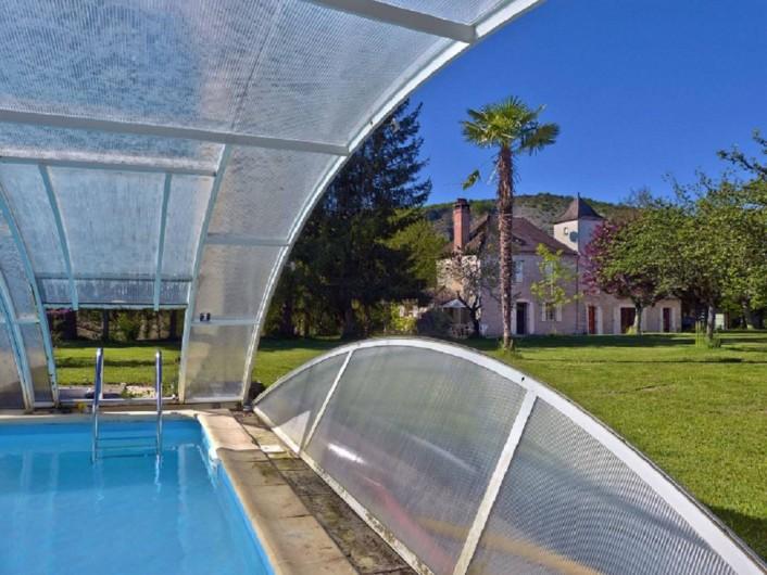Location de vacances - Maison - Villa à Lacave - La Bourgnette depuis sa piscine - (2013)