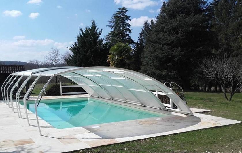 Location de vacances - Maison - Villa à Lacave - Piscine rénovée (dallage, bassin, liner, vérins...) mars 2016
