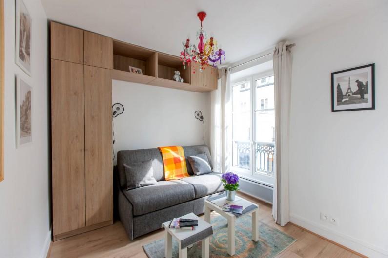 Location de vacances - Studio à 14e Arrondissement - La pièce principale avec son canapé-lit