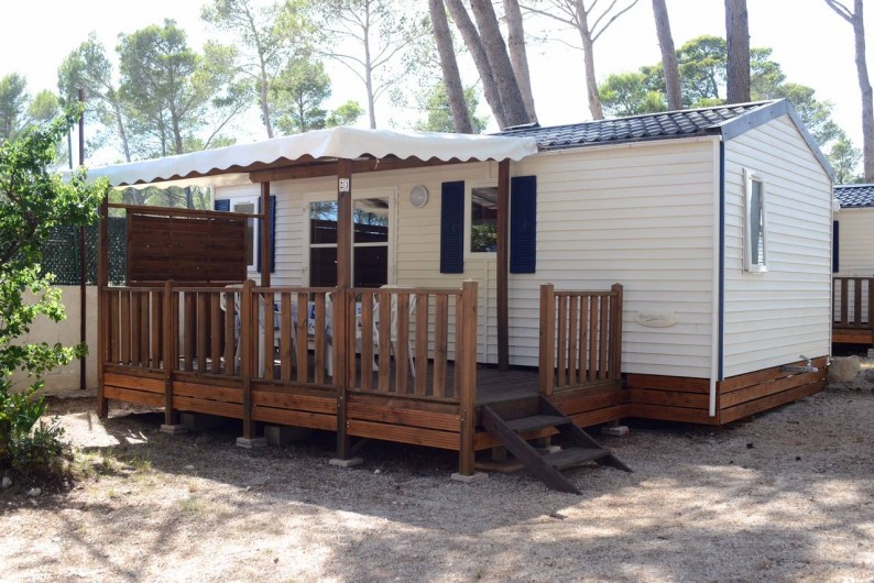 """Location de vacances - Bungalow - Mobilhome à Le Camp - Mobil home """"Rapid'home"""" avec grand intérieur à vivre - 2 chambres"""