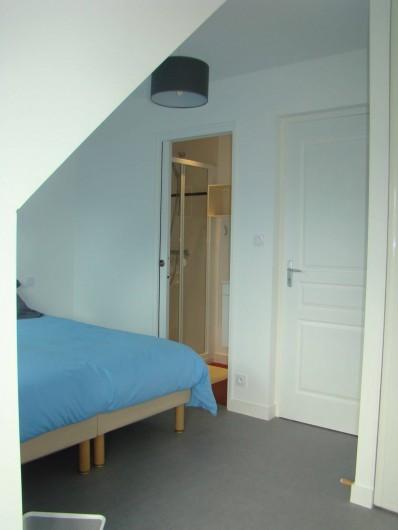 Location de vacances - Appartement à Vannes - Chambre 'Ouest' avec sa salle de douche