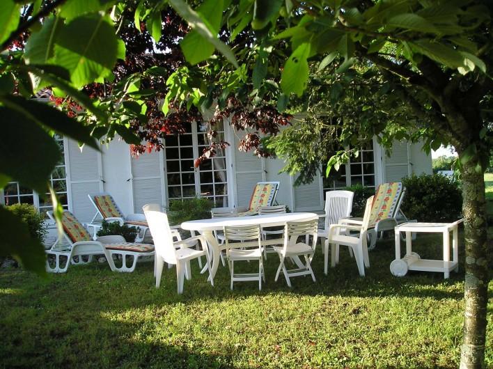 Location de vacances - Villa à Queyrac - Façade Sud