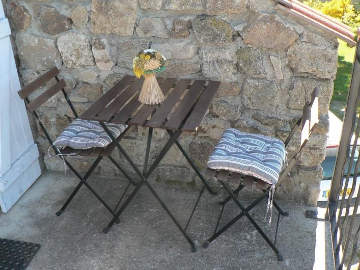 Location de vacances - Gîte à Saint-Victor-Malescours - Coin détente extérieur
