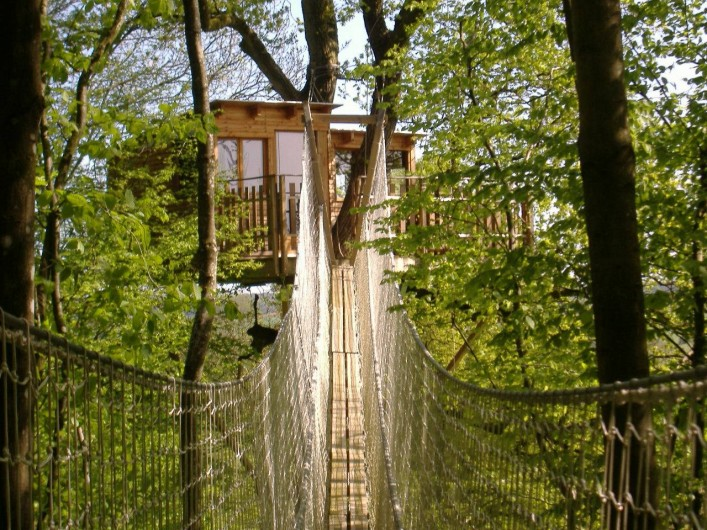 Location de vacances - Cabane dans les arbres à Signy-l'Abbaye - La lisière à 13 mètres