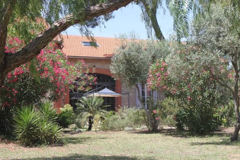 """Location de vacances - Appartement à La Londe-les-Maures - Le parc avec vue sur un de nos gîte """"Les Tamaris"""""""