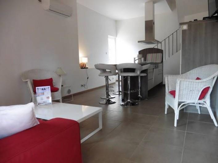 """Location de vacances - Appartement à La Londe-les-Maures - Salon - Salle à manger de notre gîte """"Les Mimosas"""""""
