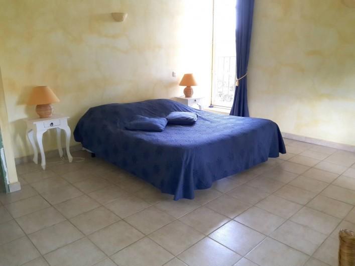 Location de vacances - Appartement à La Londe-les-Maures - Chambre parentale.