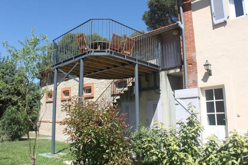 Location de vacances - Appartement à La Londe-les-Maures - Terrasse en hauteur.