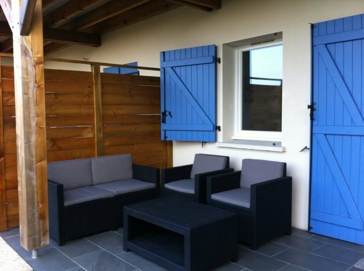 Location de vacances - Appartement à Saint-Julien-en-Born - salon de jardin en résine