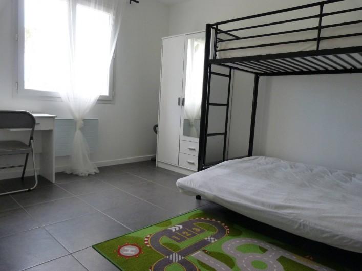 Location de vacances - Appartement à Saint-Julien-en-Born - chambre enfants (3 couchages)