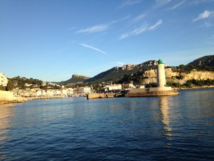 Location de vacances - Appartement à Cassis - L'entrée du port de Cassis