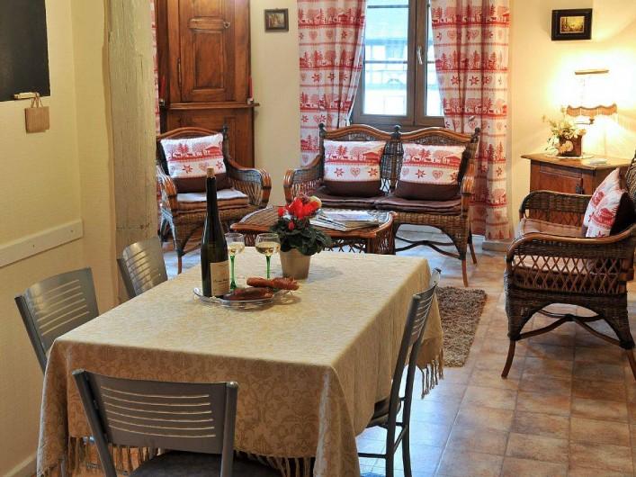 Location de vacances - Gîte à Dambach-la-ville - Coin repas