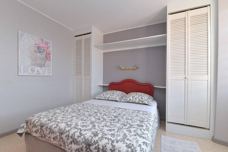 Location de vacances - Gîte à Dambach-la-ville - chambre 2 personnes (lit 1,40)