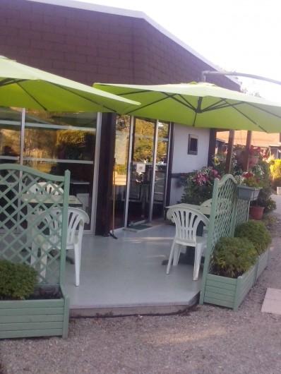 Location de vacances - Hôtel - Auberge à Escolives-Sainte-Camille - terrasse du bar
