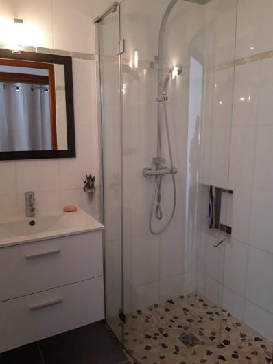 Location de vacances - Villa à Sainte-Maxime - Salle de douche 1