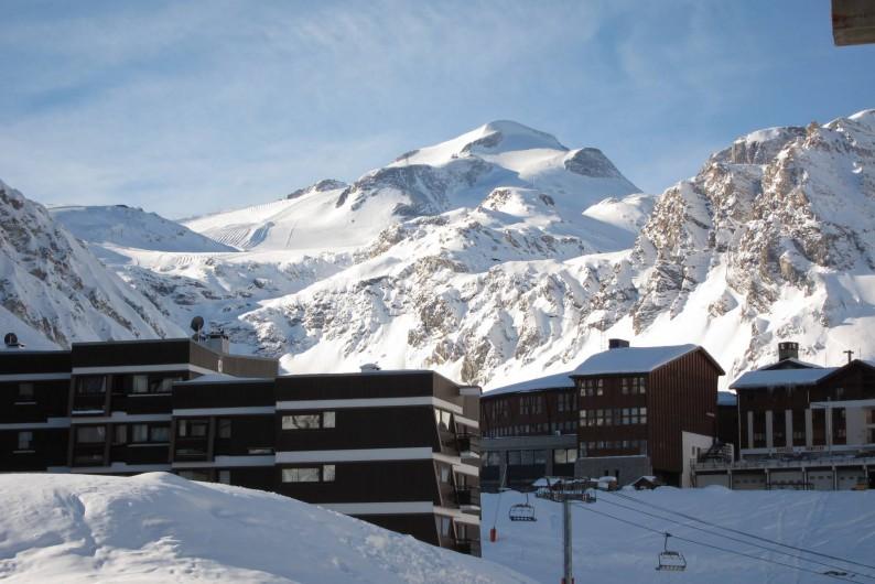 Location de vacances - Appartement à Tignes - La Grande Motte (3450m) vue depuis le balcon de l'appartement
