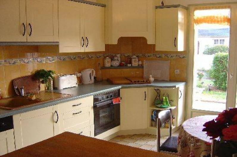 """Location de vacances - Maison - Villa à Pléneuf-Val-André - Une cuisine avec tout ce qu'il faut pour """"les chefs"""""""