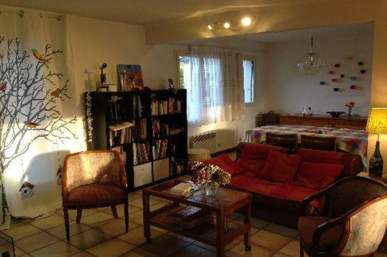Location de vacances - Maison - Villa à Pléneuf-Val-André - Un des salons, face à la cheminée