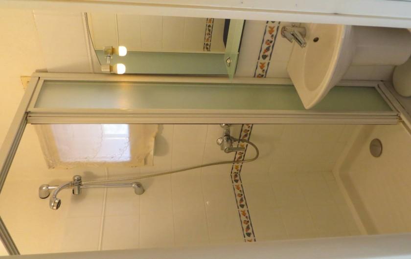 Location de vacances - Studio à La Favière - salle de bains