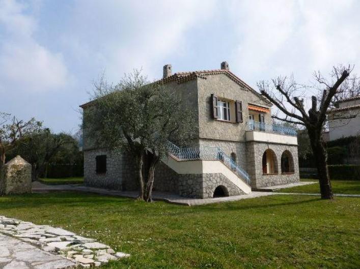 Location de vacances - Villa à Grasse - La belle villa en pierre
