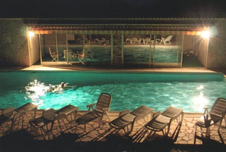 Location de vacances - Villa à Grasse - La piscine de nuit