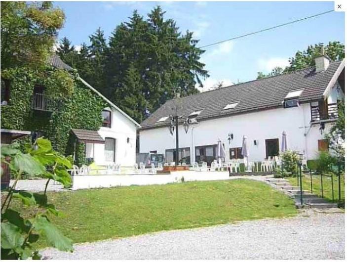 Location de vacances - Gîte à Dinant - A votre arrivée vous apercevrez nos deux bâtiments