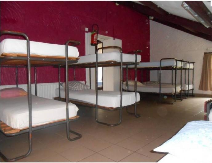 Location de vacances - Gîte à Dinant - Le grand dortoir de 16 places