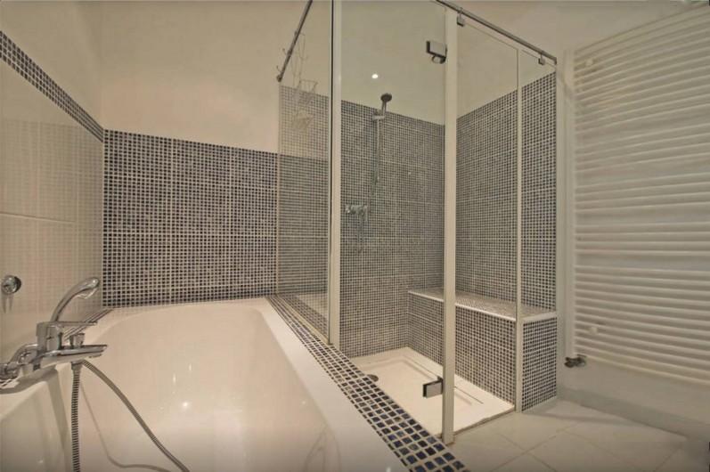 Location de vacances - Villa à Saint-Gély - 3 salles de bain; Toilettes séparées pour 2 d'entres elles