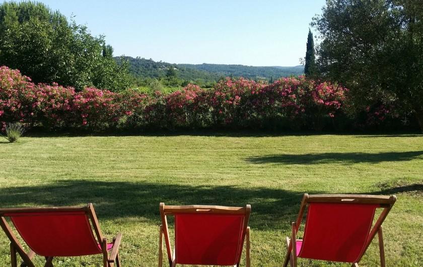 Location de vacances - Villa à Saint-Gély - 2500m2 de jardin. Vue de style toscan et sur lauriers roses
