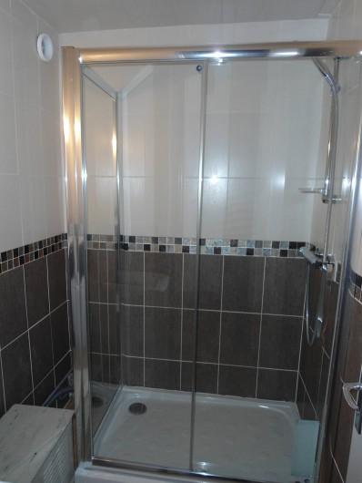 Location de vacances - Appartement à Le Touquet-Paris-Plage - la première salle de bain avec douche