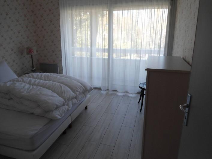 Location de vacances - Appartement à Le Touquet-Paris-Plage - première chambre lit double ouverte sur le balcon