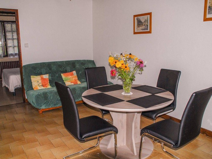 Location de vacances - Gîte à Prats-de-Carlux - Coin séjour salle à manger