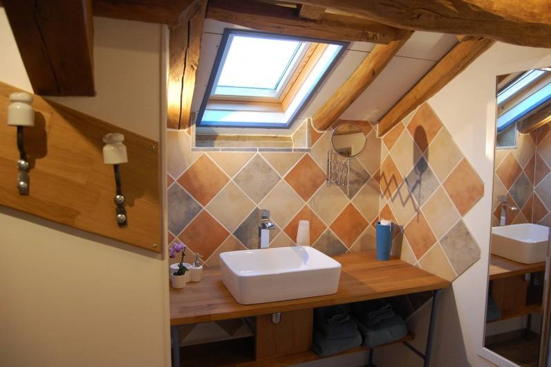 Location de vacances - Chambre d'hôtes à Landes-le-Gaulois - Salle de Bain de Tête de Linotte