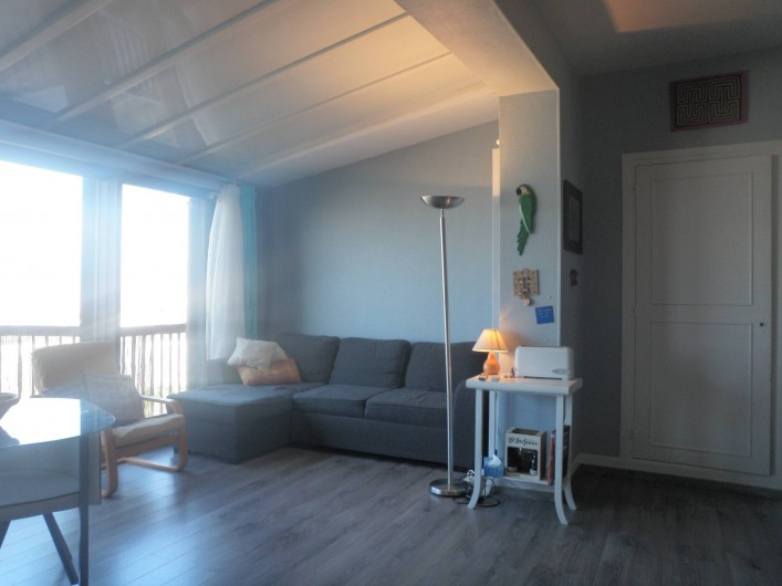 Location de vacances - Appartement à Le Touquet-Paris-Plage - Le sofa face à la tv // à la mer  l'appartement est très lumineux
