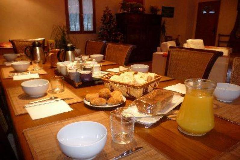 Location de vacances - Chambre d'hôtes à Guchen - La table du petit déjeuner