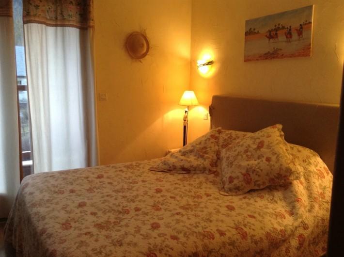 Location de vacances - Chambre d'hôtes à Guchen - Chambre Héllébore