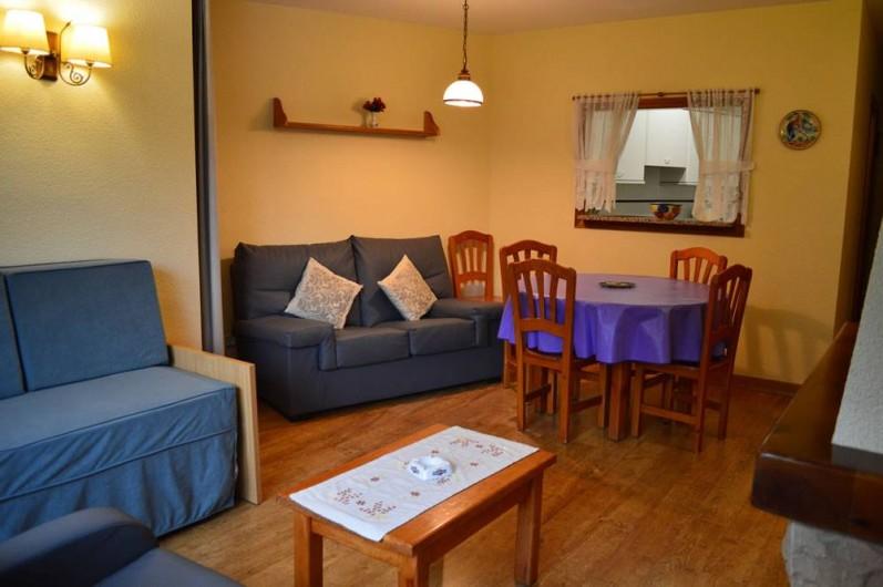 Location de vacances - Appartement à Llorts - salon salle a manger