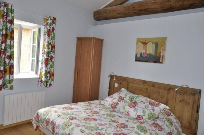 Location de vacances - Gîte à Saint-Julien - La chambre Campagne du Vigneronna  au Château du Jonchy à St Julien dans le Rhôn