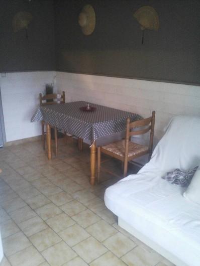 Location de vacances - Appartement à Chastreix - coin repas n°4